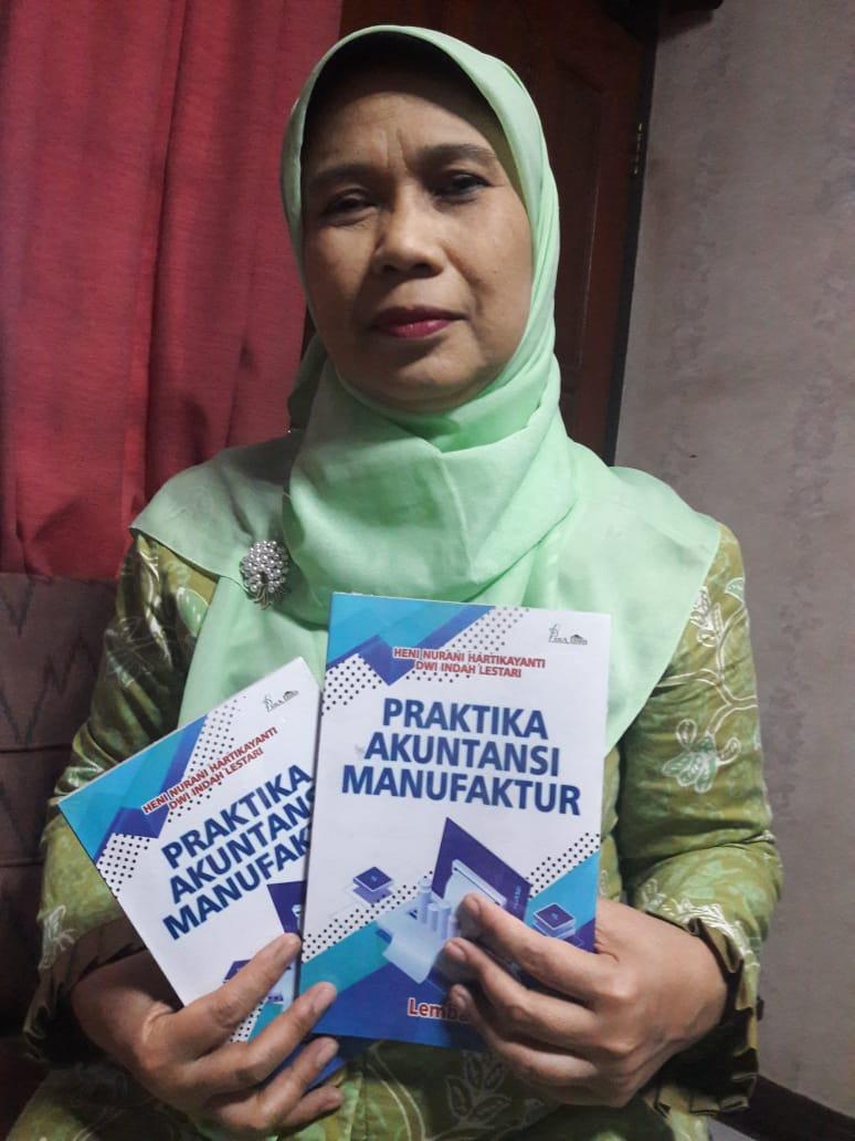 Strategi Dr. Heni Nurani H – Menuangkan Ide Dalam Buku